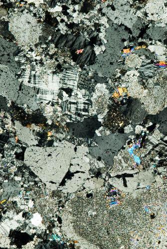 Mikroskooppikuva graniitista, Kuusilaen louhos, Ylitornio.