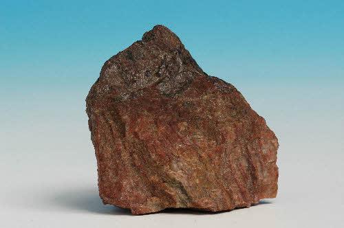 Wiikiitti. Venäjä, Impilahti, Nuolainniemi. Näyte: Suomen Kivikeskuksen kokoelmat / Saatu: GTK, Kivimuseo. 44 g. 4 x 4 x 2,5 cm.